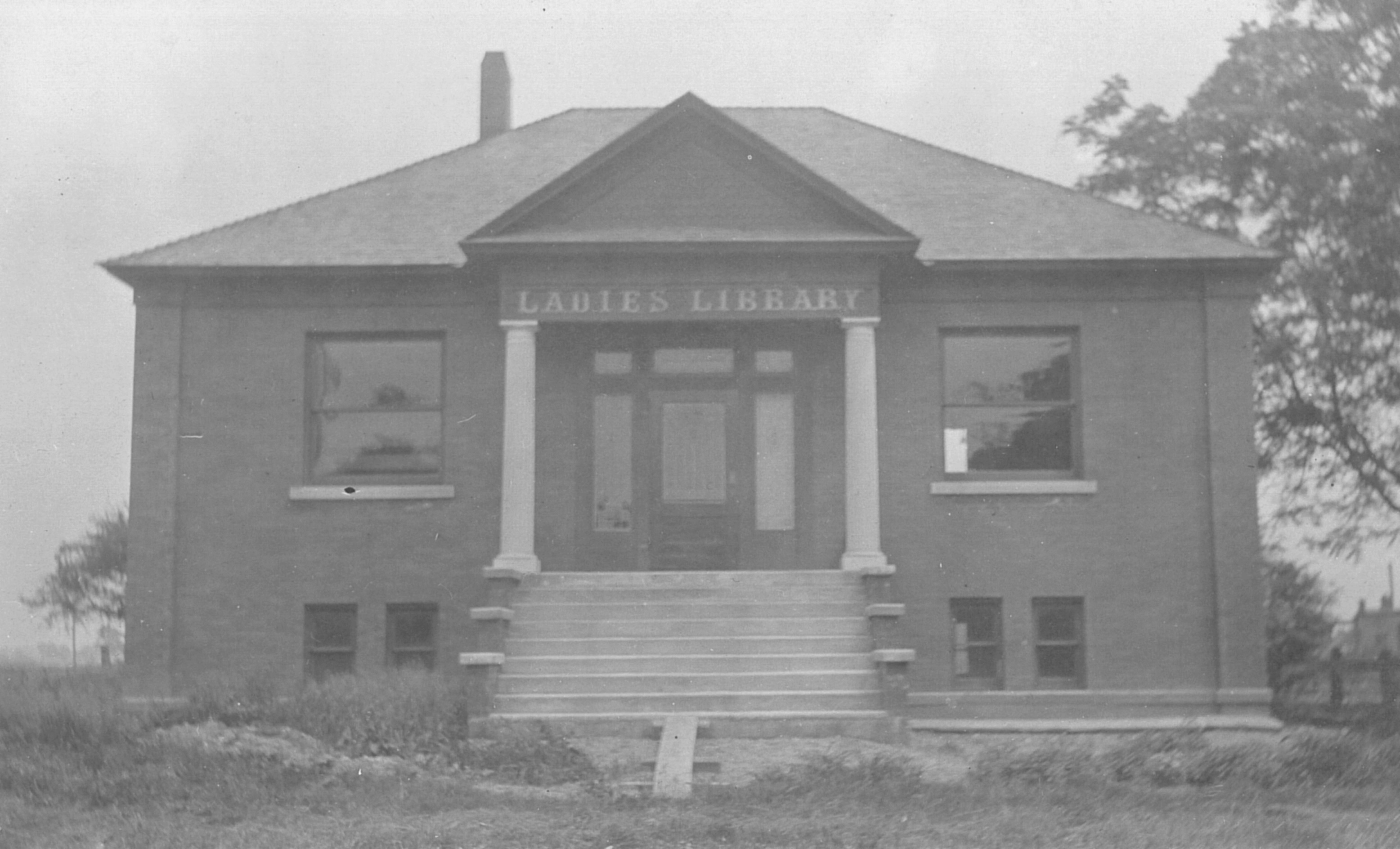 P- 28 Ladies Library 1907-08.jpeg.jpg